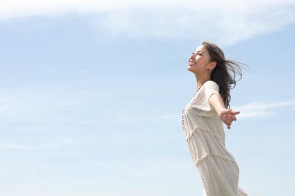ぎっくり腰の痛みや不安から解放された女性