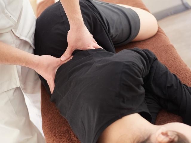 施術により関節の動きを良くし症状を改善